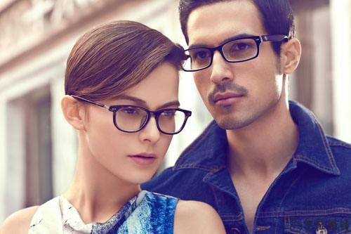 固始哪有卖暴龙眼镜的?